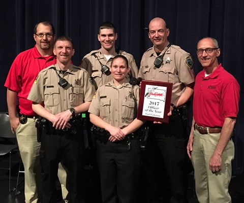 Deputy Pederson receiving the South Dakota SRO of the year award